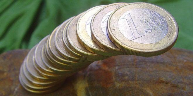 M. Großmann-pixelio Euromünzstapel