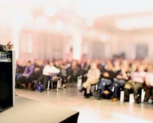 vortrag-podium-Fotolia-103219181-660