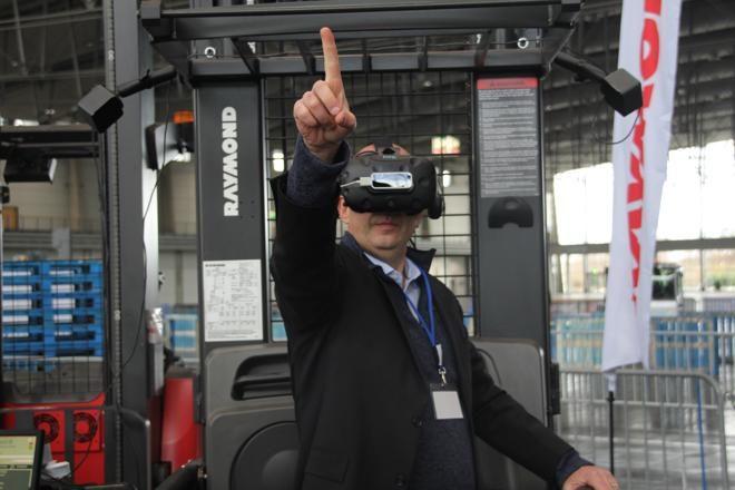 RAYMOND – VR Simulator mit Gleichheitsgarantie