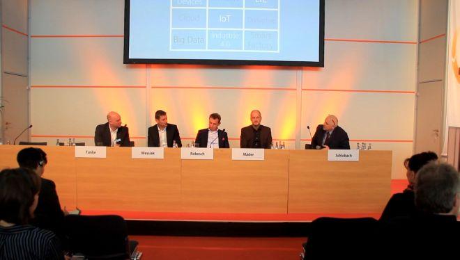 Gigabitgesellschaft: Expertenrunde auf der LogiMAT 2019 (Foto: RS Media World)