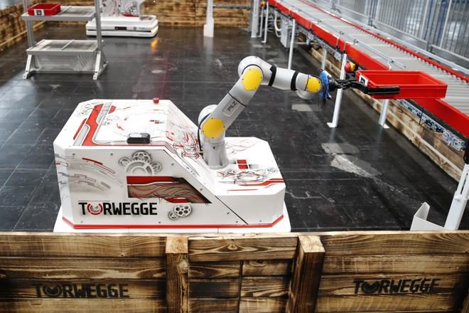 MANIPULATORSTEN – Flexible Logistik-Automationslösung mit Roboter-Arm