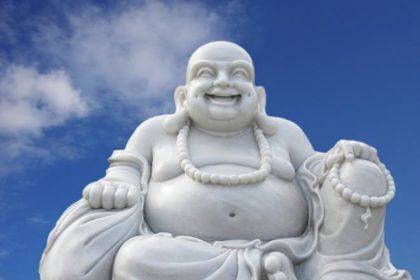 Corona-Virus: Buddha hat wenig zu lachen. (Foto: Rosel Eckstein / www.pixelio.de)