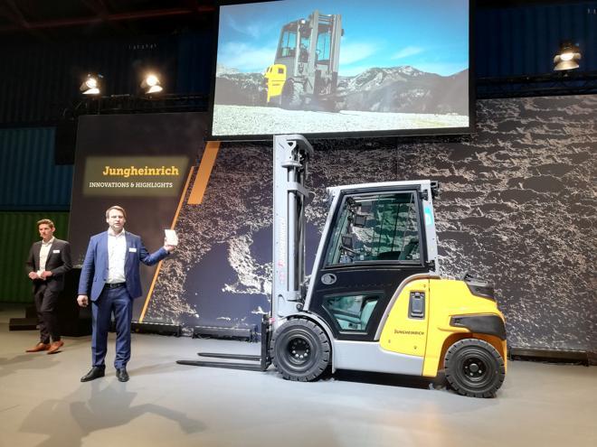Jungheinrich: P30i heißt der neue Schubmaststapler für 2021 (Foto: RS Media World)