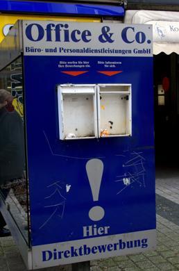 DurchIn Deutschland und in Österreich explodieren Arbeitslosigkeit und Kurzarbeit. (Foto: Etienne Rheindahlen / www.pixelio.de)