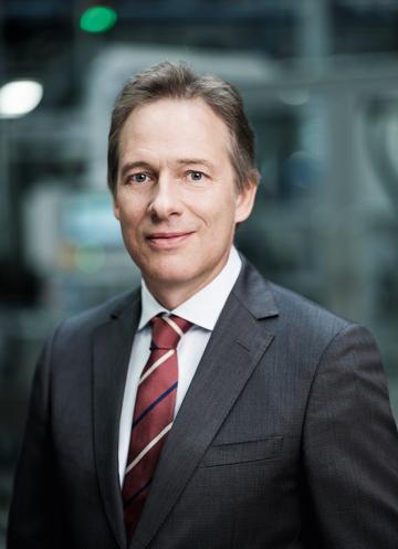 """T. Bawart: """"Wir haben uns zum Ziel gesetzt, mit optimiertem Zellendesign und diversen konstruktiven Maßnahmen die Leistungsaufnahme und -abgabe zu verbessern."""" (Foto: Banner)"""