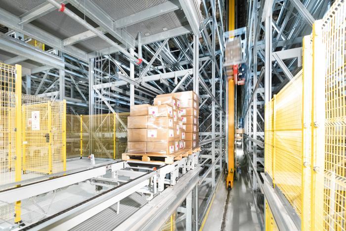Internationaler Einzelhandel - Distribution auf 265.000 Quadratmetern. (Foto: Dematic)