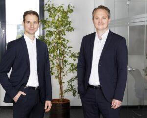 Jungheinrich Systemlösungen - Dr. Martin Weiglhofer (li) und Markus Skof planen kräftiges Mitarbeiterwachstum in Graz. (Foto: Jungheinrich Systemlösungen / RS MEDIA WORLD Archiv)