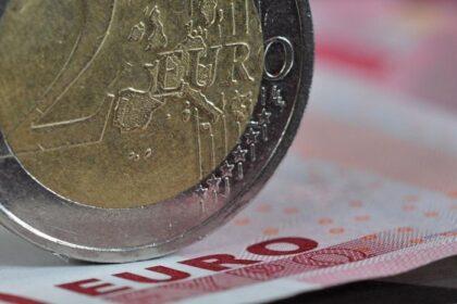 Steuerpolitik – Amazon erhielt in zehn Jahren mehr als 13 Milliarden US-Dollar von Luxemburg geschenkt. (Foto: Kurt F. Domnik / www.pixelio.de)
